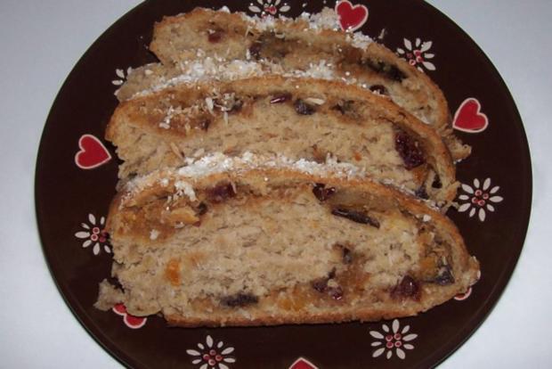 Weihnachtliches Stollen-Früchtebrot mit Kokos und Marzipan - Rezept - Bild Nr. 12