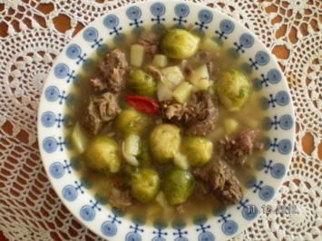 Rosenkohlsuppe mit Rindfleisch - Rezept