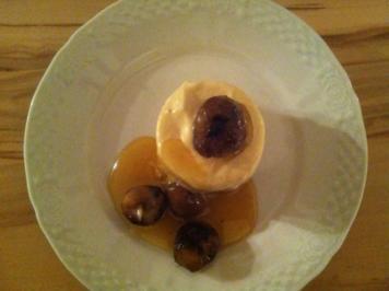 Geeiste Karamellcreme mit glasierten Maroni - Rezept