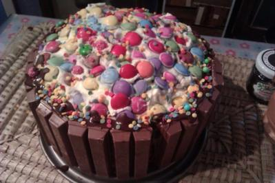 Kit-Kat Smarties Torte - Rezept