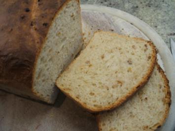 Brot/Brötchen: Kastenweißbrot mit Zwiebeln und Speck - Rezept