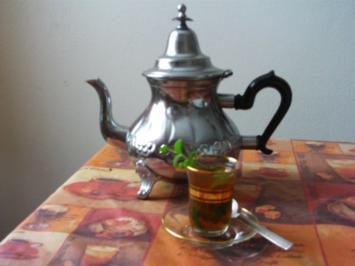 Rezept: Attäi bel Nanaa - Tee mit frischer Minze
