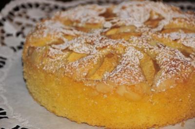 Rezept: Kuchenzwerg: Apfel-Eierlikör-Kuchen