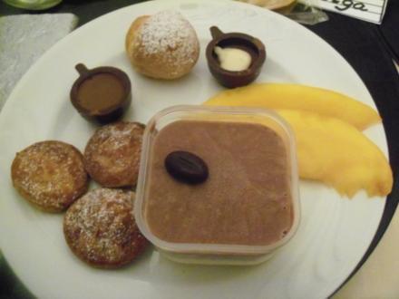 Dessert - Poffertjes mit beschwipstem Eis - Rezept