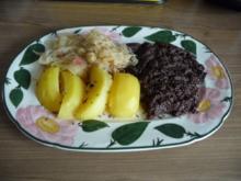 Gerichte aus der Kindheit : Tote Oma ;-) Blutwurst mit Sauerkraut und Kartoffeln - Rezept
