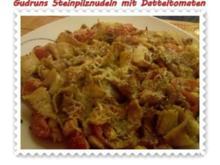 Nudeln: Steinpilznudeln mit Datteltomaten, Speck und Parmesan - Rezept