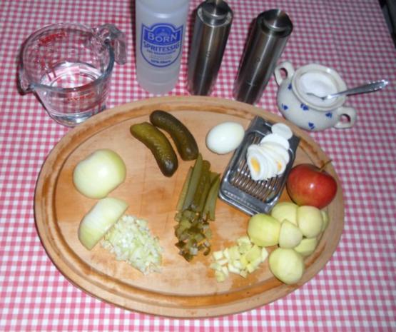 "Feiner Kartoffelsalat à la  ""Oòrndrasch"", mit selbstgemachter Majo. (Rzpt. um 1976) - Rezept - Bild Nr. 2"
