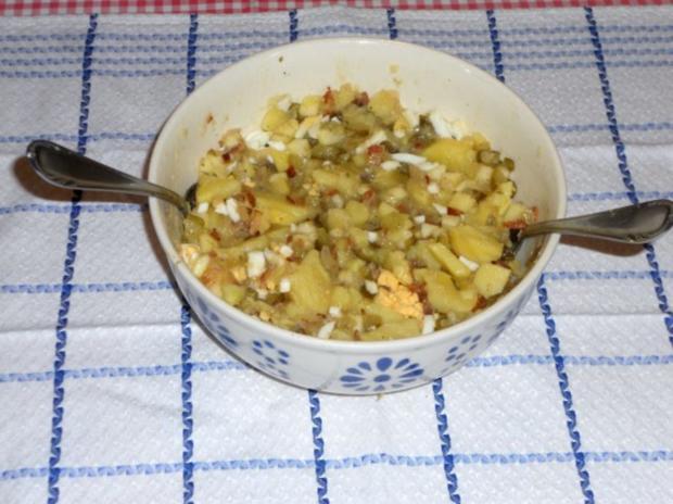"Feiner Kartoffelsalat à la  ""Oòrndrasch"", mit selbstgemachter Majo. (Rzpt. um 1976) - Rezept - Bild Nr. 7"