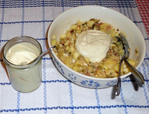 "Feiner Kartoffelsalat à la  ""Oòrndrasch"", mit selbstgemachter Majo. (Rzpt. um 1976) - Rezept - Bild Nr. 9"