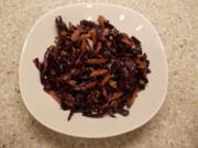 Rotkrautsalat mit Äpfeln und Walnüssen - Rezept