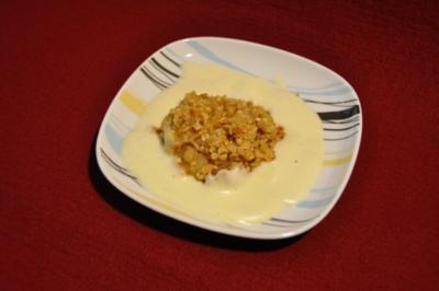 Apfel-Crumble mit Vanillesoße - Rezept