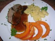 Rehkeule mit Gin und Wacholderbeeren, serviert mit Kürbis und Gnocchis - Rezept