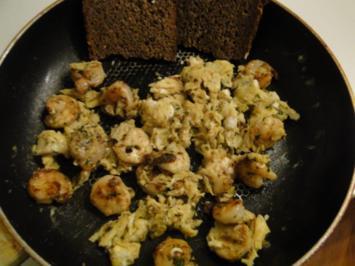 Rühreier mit Garnelen und Salzgurken und das zum Frühstück!! - Rezept