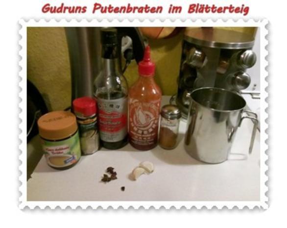 Soßen: Putenbraten im Teigmantel mit Sesamsoße und grüne Bohnen im Schinkenmantel III - Rezept - Bild Nr. 3