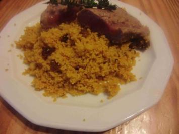 Rezept: Lammfilet mit Rosinen, Couscous und Harissa