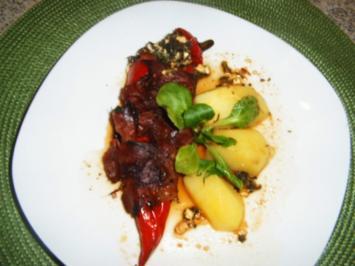 Rote Spitzpaprika mit Spinat - Käsefüllung - Rezept