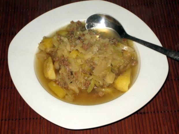 weißkohleintopf mit rindfleisch und kartoffeln