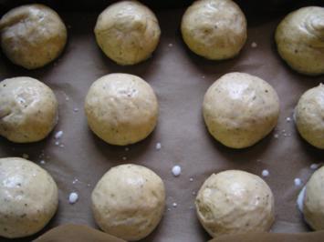 Kräuterbrötchen leckere Suppenbeilage - Rezept