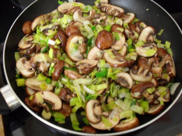 Hackbraten gefüllt mit Lauch und Champignons aus dem Ofen - Rezept - Bild Nr. 5