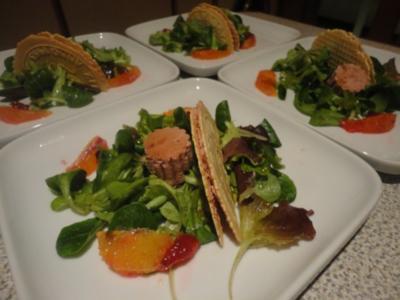 Preiselbeer Pasteten Cräcker im Salat Bett - Rezept