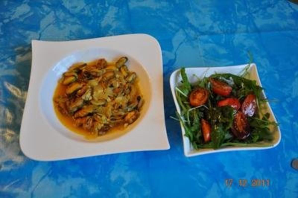 Kochen miesmuscheln im paprika currysud rezept - Miesmuscheln kochen ...