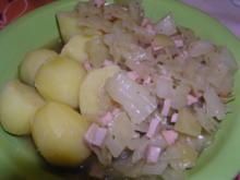 Geschmorter Kohl mit Fleischwurst - Rezept