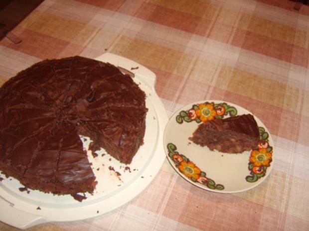 Besoffene Apfel-Walnuss-Torte - Rezept