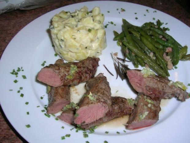 Lammfilet, rosa gebraten, an Kartoffelragout und grünen Böhnchen - Rezept - Bild Nr. 3