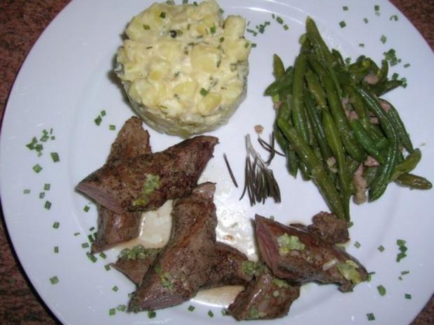 Lammfilet, rosa gebraten, an Kartoffelragout und grünen Böhnchen - Rezept - Bild Nr. 4