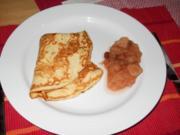 Pfannkuchen mit winterlichem Apfelkompott - Rezept