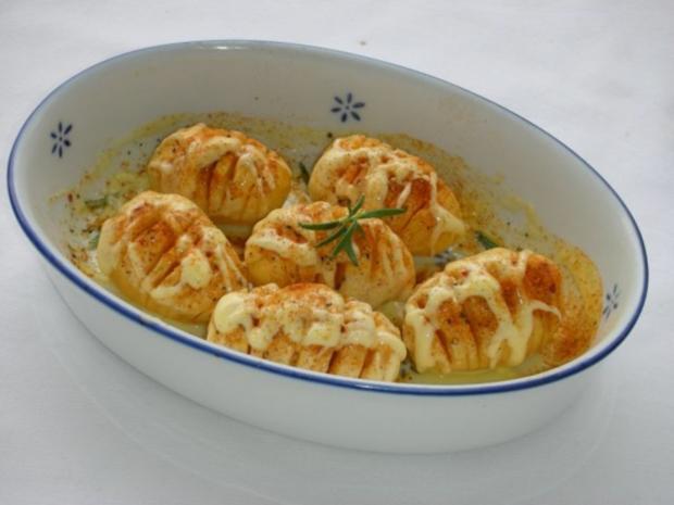 Marinierte Hähnchen-Streifen umhüllt von Sesampanade mit Fächerkartoffeln - Rezept - Bild Nr. 13