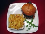 Burger-Variationen mit frischen Steakhouse-Kartoffeln - Rezept
