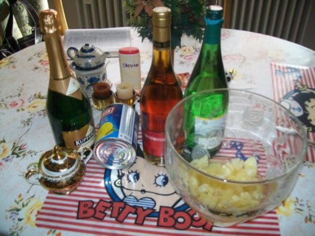 Annanas- Bowle - Käse - Stückchen & Lachs - Brötchen - Rezept - Bild Nr. 3