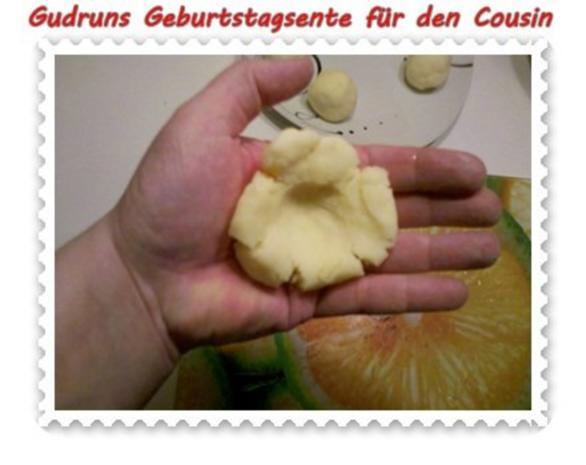 Geflügel: Kräuterschlemmerente mit Ofengemüse, Gorgonzolasoße und Klöße - Rezept - Bild Nr. 9