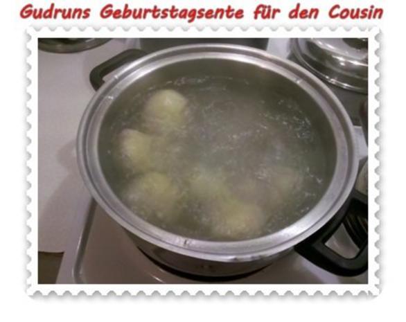 Geflügel: Kräuterschlemmerente mit Ofengemüse, Gorgonzolasoße und Klöße - Rezept - Bild Nr. 12