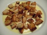 Gerichte aus der Kindheit : Geröstete Weißbrotwürfel auf Vanillepudding - Rezept