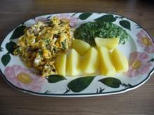 Fleischlos : Zwiebel - Rahmspinat mit Rührei und Salzkartoffeln - Rezept