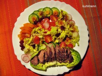 Bunter Salat-Teller mit gebratenen Frischlings-Filet-Streifen - Rezept