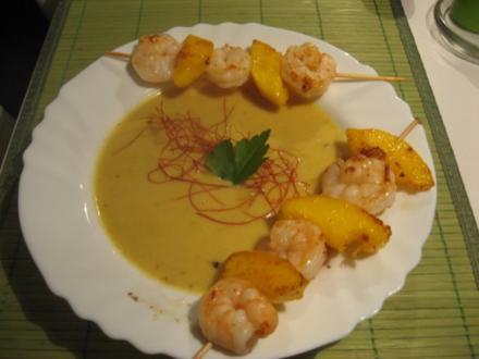 Ingwer-Curry-Suppe mit Mango-Garnelen-Spieß - Rezept
