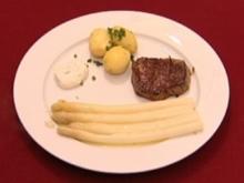Rinderfilet mit Spargel und Kartoffeln, dazu Buttersoße (Boris Henry) - Rezept