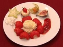 Erdbeeren mit Vanilleeis und Sahne (Boris Henry) - Rezept