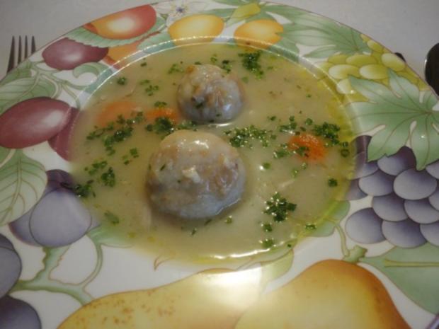 eingemachte Hühner Suppe mit Brösel Knödel - Rezept