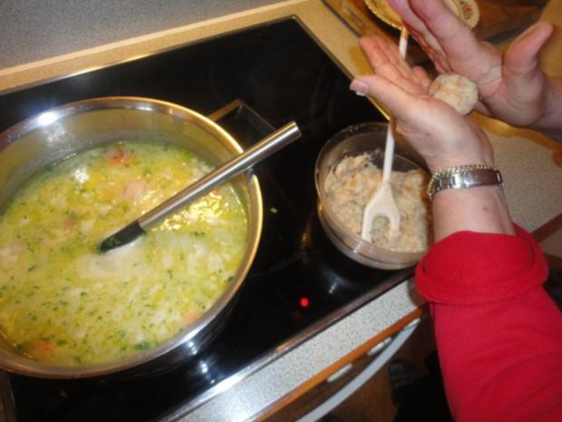 eingemachte Hühner Suppe mit Brösel Knödel - Rezept - Bild Nr. 15