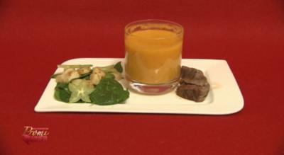 Spinat-Sternfruchtsalat mit Rinderhüftsteak, Kürbis-Ingwersuppe (Georgina Bülowius) - Rezept