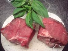 Steak mit mediteranem Gemüse und Kräuterbutter - Rezept