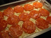 Wurst - Blätterteigkuchen mit Birnen, Blauschimmelkäse und Chorizo - Rezept