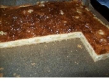 Apfelkuchen mit Marzipanguss - Rezept