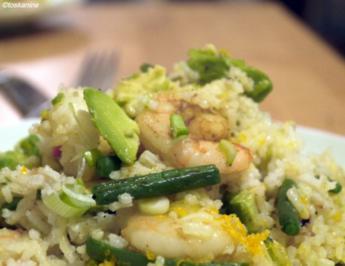 Rezept: Reispfanne mit Garnelen und Avocado