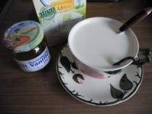 Getränke warm & kalt : Heiße Milch mit Akazienhonig und Vanillestange - Rezept