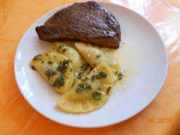 Vegetarisch:Spinat-3Käseravioli mit Salbeibutter - Rezept